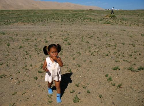 Маленькое существо в большой пустыне