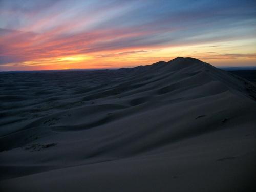 Цвета заката в пустыне Гоби