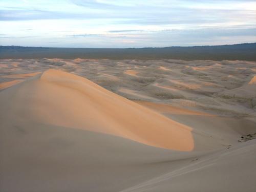 Пески Хонгор Элс, пустыня Гоби