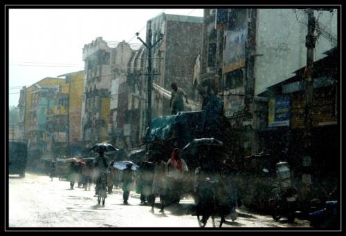 Попали в муссон по дороге