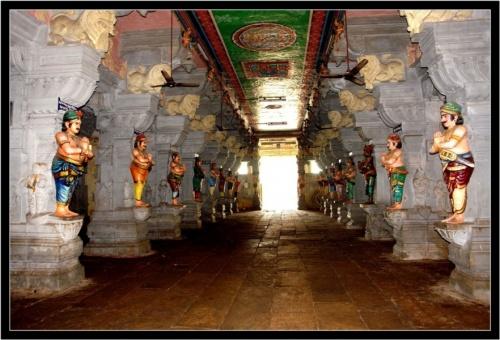 Все раджи, семья которых построила этот храм