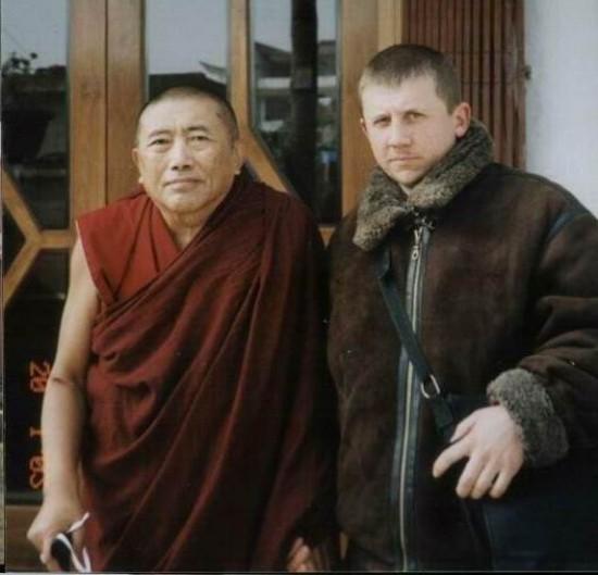 Рядом с учителем геше Ванг Ченом в Бодхгайе.