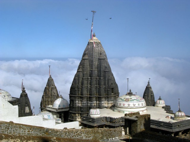 Комплекс джайнистских храмов на горе Гирнар