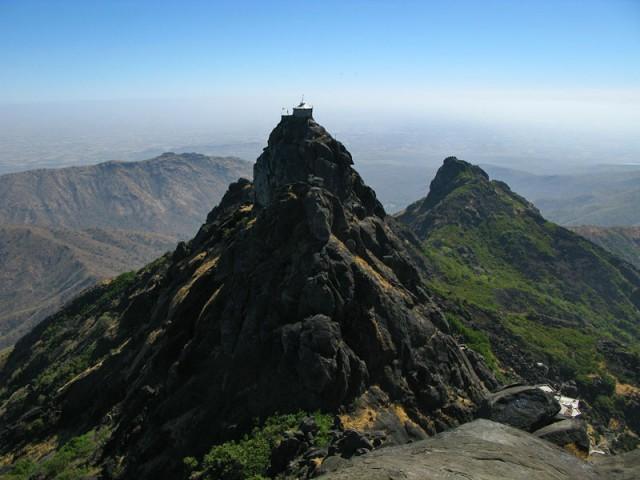 Вид с вершины горы Гирнар