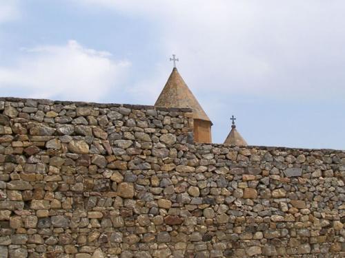 Стена после реставрации
