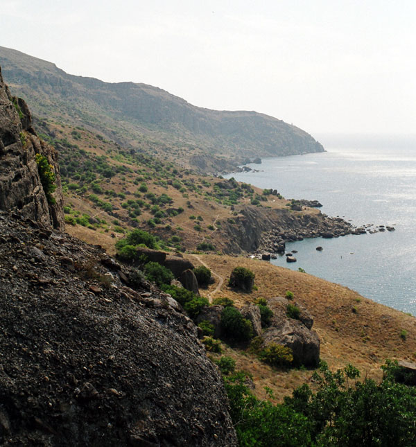 Вид на тропинки и бухты Меганома