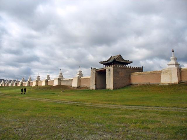 Каракорум. У стен монастыря Эрдэни-Дзу