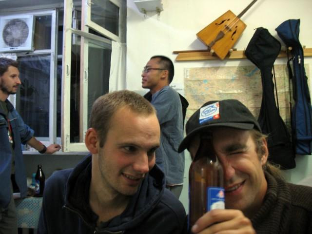 Пьянка-гулянка в кухне «Хонгор гестхаус»