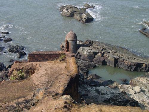 Старинная сторожевая башня.