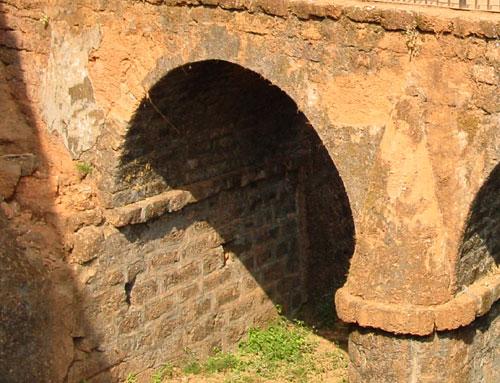 арка в крепости