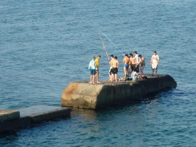 Почти что Индия (иногда по этому пирсу прямо между рыбаков прогуливались нудисты - презанятнейшее было зрелище :)