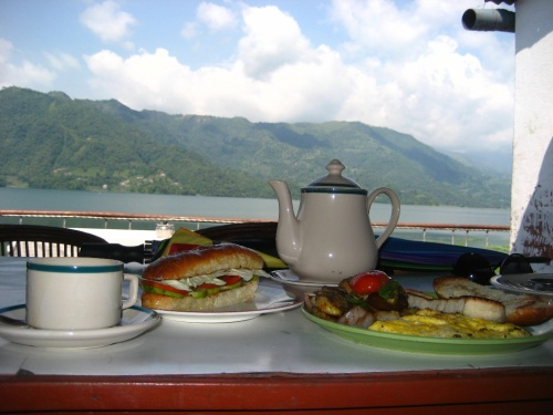 Непал. Покхара. Fewa-lake