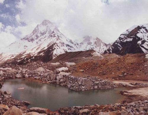 Озеро над долиной Тапобан