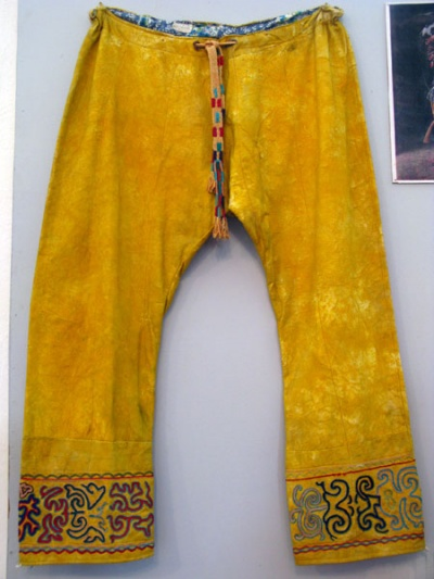 Желтые кожаные штаны - два раза ку!