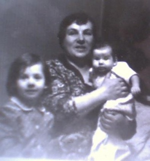 я хомяк, который крайний справа )))