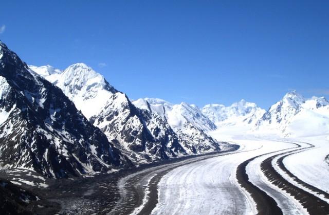 Самый длинный ледник в мире Федченко-75 км.