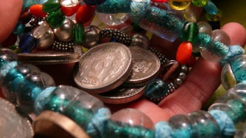 Бусики и монетки  индийские