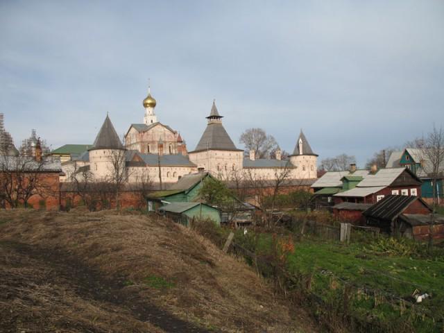 В районе Ростовского кремля