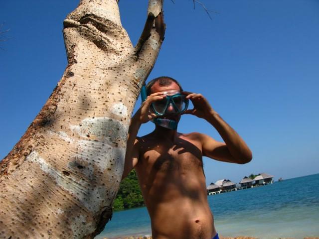 Надоело болтаться в гамаке - бери каяк и дуй на необитаемый остров...
