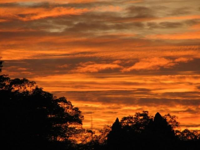 Закат в Ангкор Вате