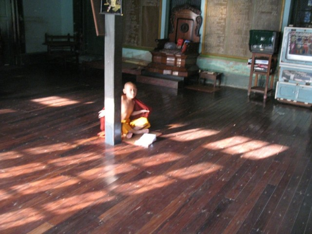Маленький монах