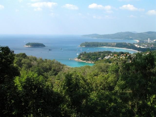 Вид на пляжи Ката Ной, Ката и Карон