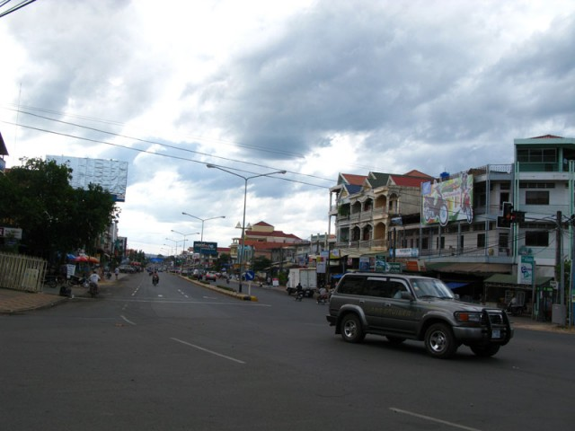 Главная улица Сиануквилля - Экарич