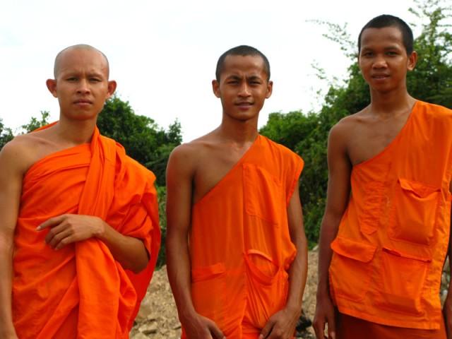 Например, можно случайно заехать в буддистский монастырь, находящийся буквально in the middle of nowhere.