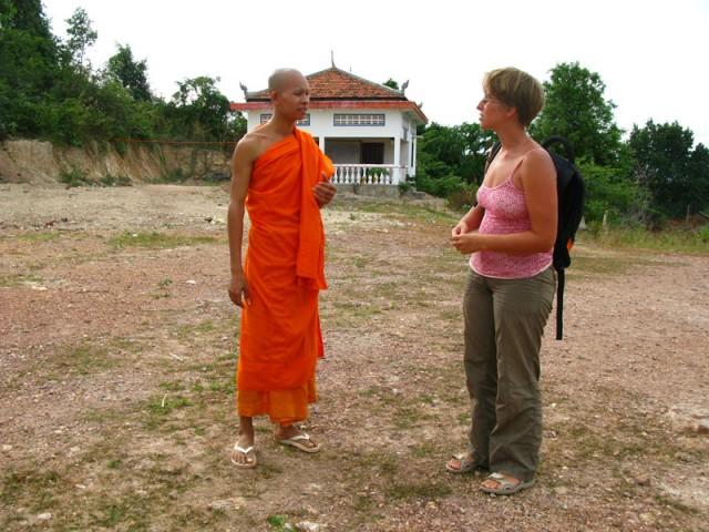 И побеседовать с монахами на сносном английском!