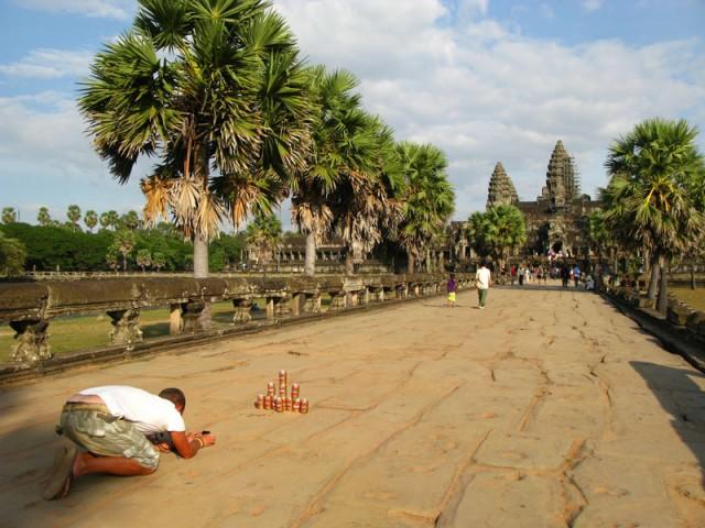 """Чел, собравший свой Ангкор-ват из банок из-под пива """"Ангкор"""""""