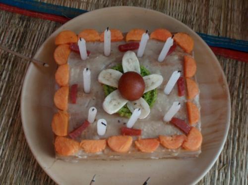 вананово-папаевый тортик с кремом и свечами