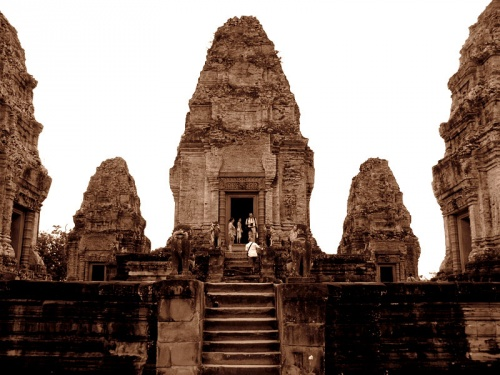 Громадина-храм East Mebon