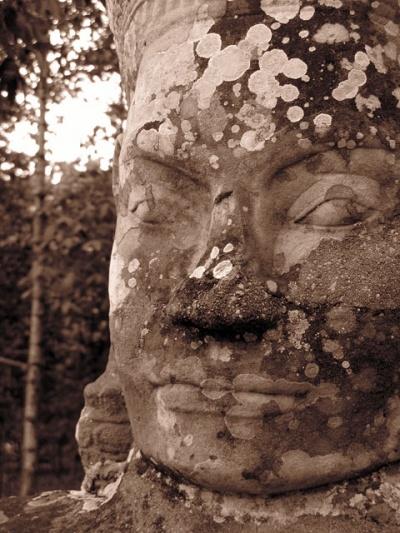 Бог, оригинальная скульптура. Ангкор Том