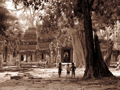 Вход в храм Banteay Kdei
