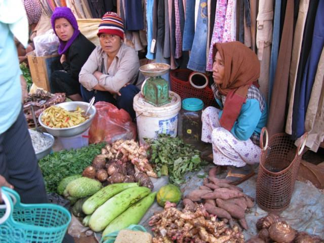 Рынок в Банлунге, провинция Ратанакири, Камбоджа