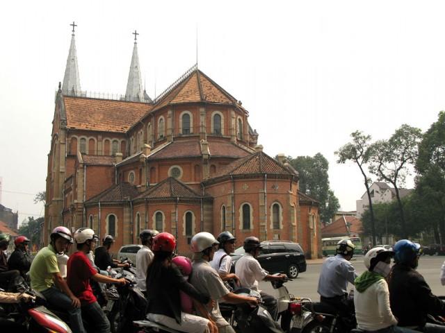 Католический собор Нотр Дам, Сайгон
