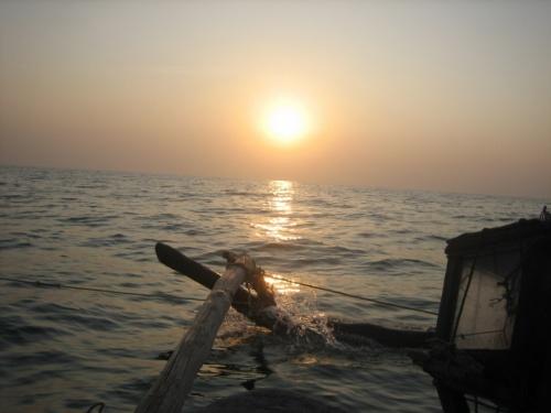 закат в океане