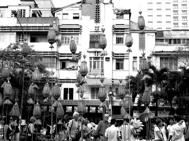 Фонари на улице Nguyen Hue зажгутся сегодня ночью. Хо Ши Мин