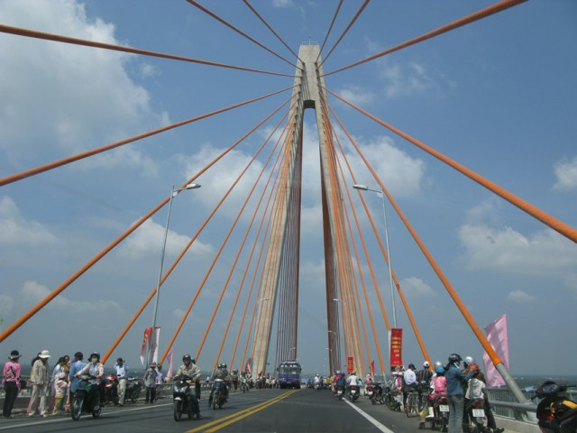 Мост через Меконг