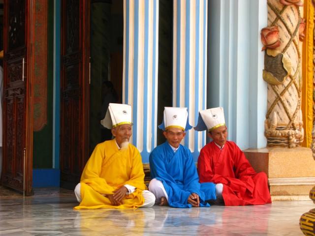 Три ветви каодаизма в лицах