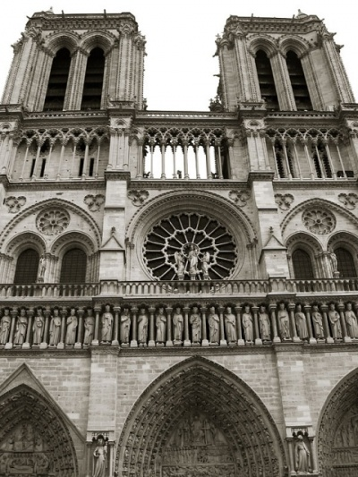 Notre Dame, фасад ближе