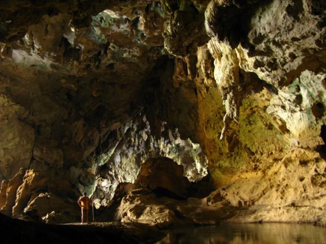 В пещере Сиенг Лиеп
