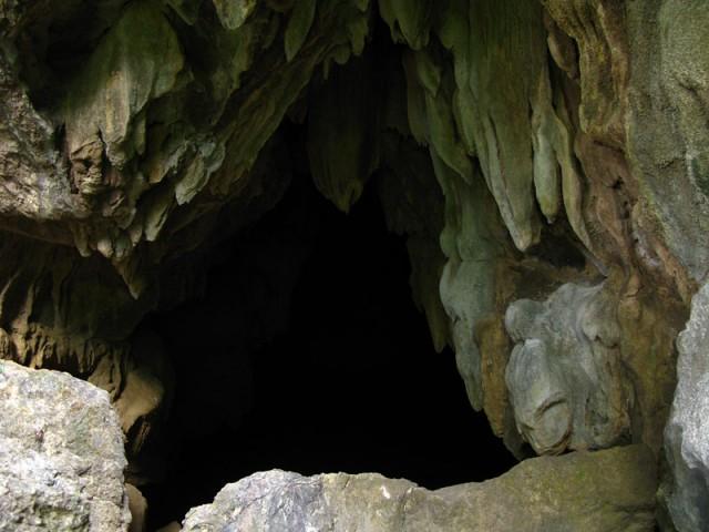 Вход в пещеру Сиенг Лиеп