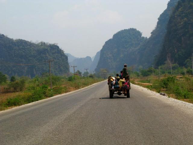 Лаосскими дорогами