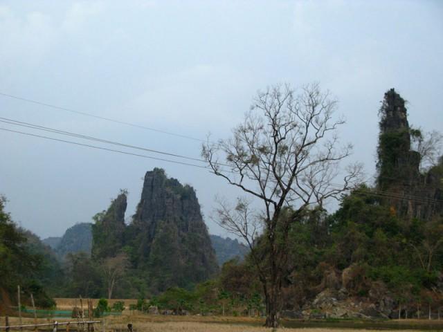 Причудливые горы центрального Лаоса