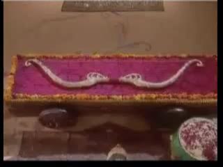 Шива Дхануш, именуемый Пинака, оставленный в Митхиле на хранение