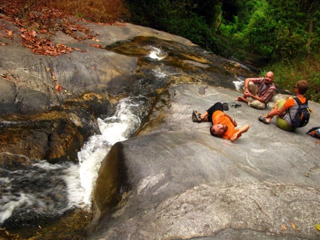 Нашли водопад