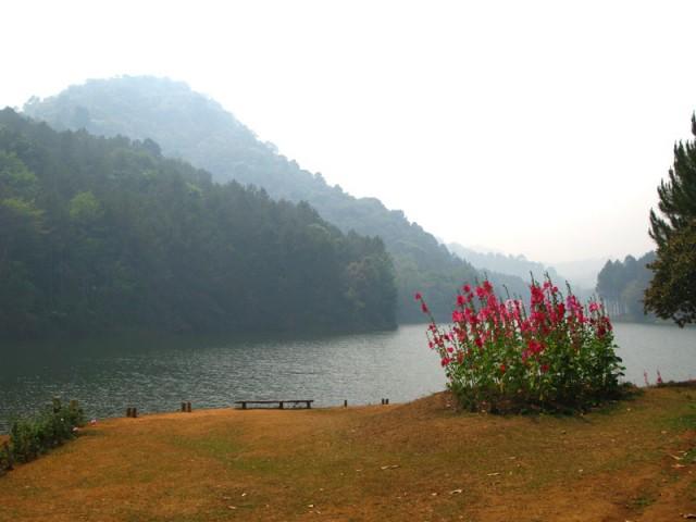 """Озеро Панг Унг по дороге в китайскую деревню - местная """"Швейцария"""""""
