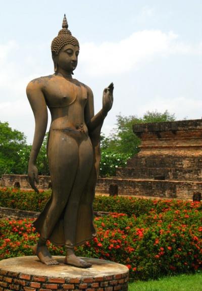 Идущий Будда в сукотайском стиле