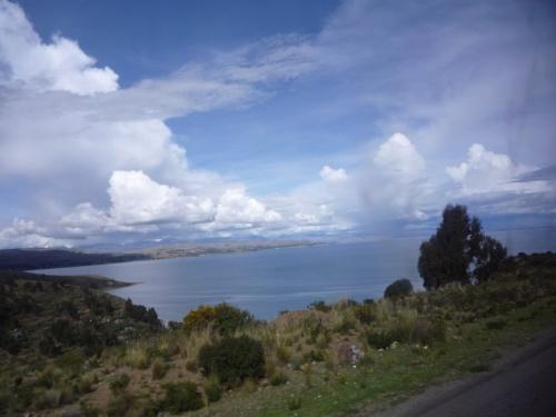 так выглядит Титикака с боливийской стороны